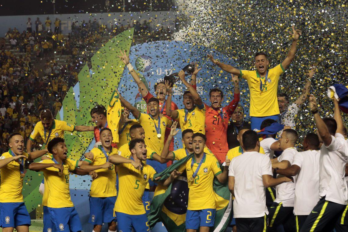 Brasil vence México de virada e conquista Copa do Mundo sub-17