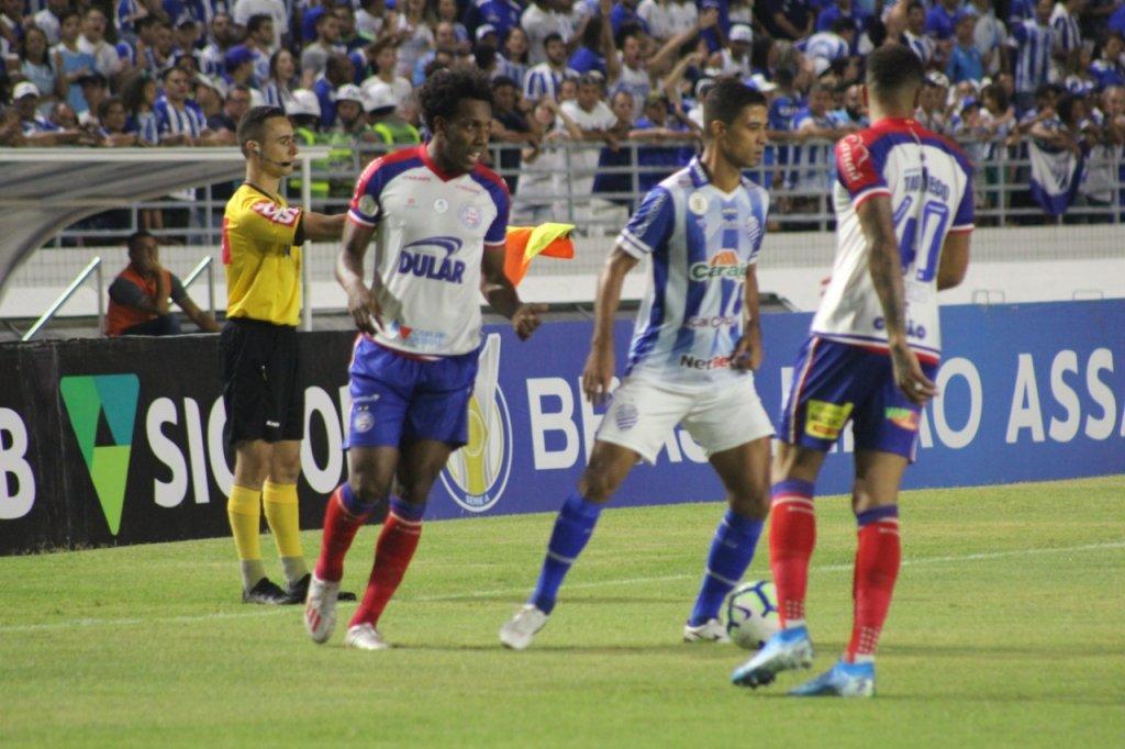 Após nove jogos, Bahia bate o CSA e volta a vencer na Série A