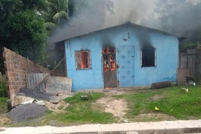 Homem é suspeito de atear fogo na casa de ex-mulher no Bom Jesus