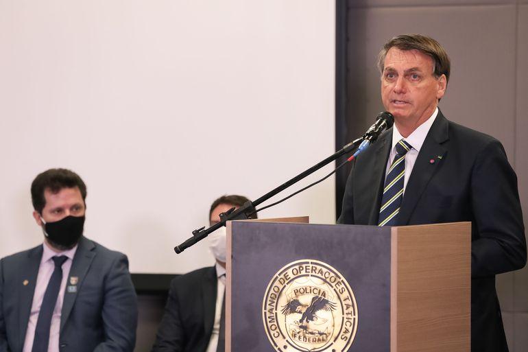 Bolsonaro volta a defender reabertura do comércio