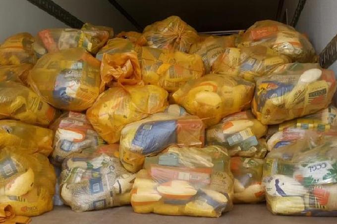 Prefeito garante mais um mês do kit alimentação para os alunos de Mata de São João