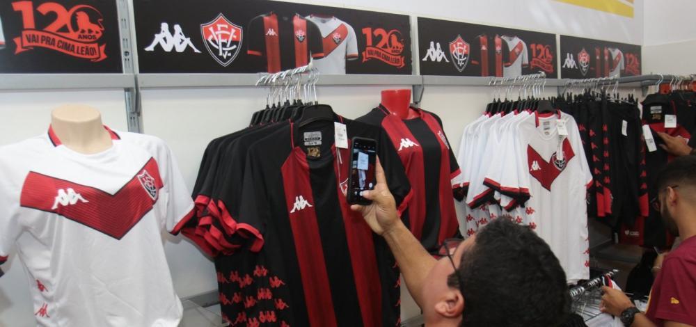 Presidente do Vitória desmente marketing do clube sobre marca própria