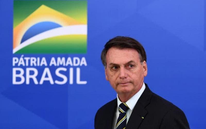 Bolsonaro adota nova rotina em gabinete improvisado após ficar isolado