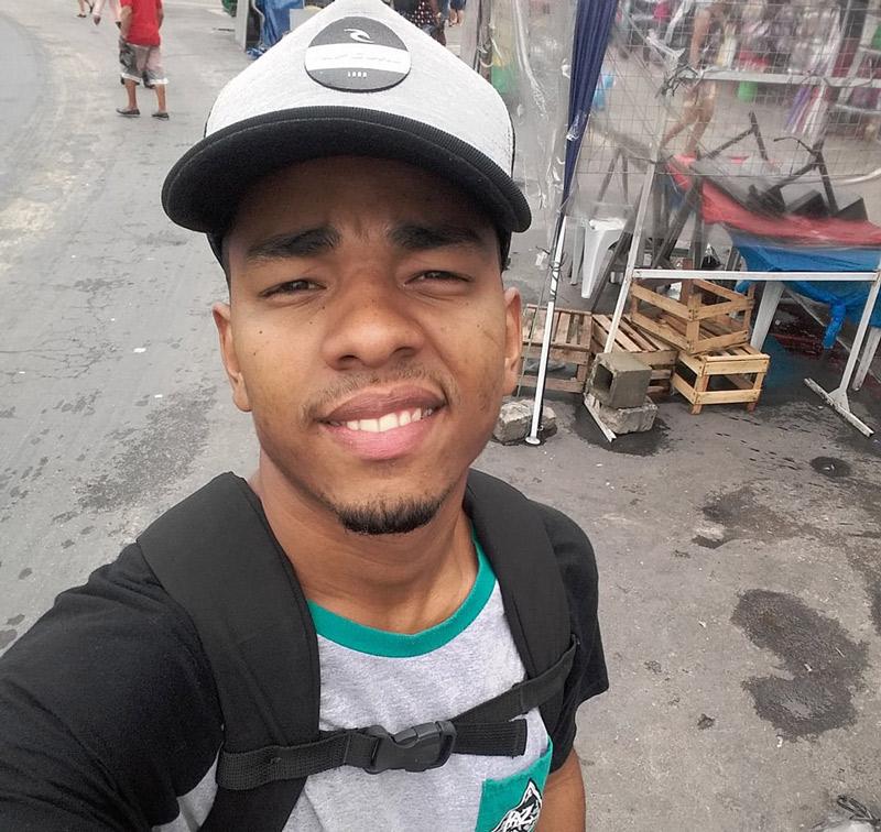 Jovem é morto a tiros na porta de casa no Parque 3 em Dias d'Ávila 1